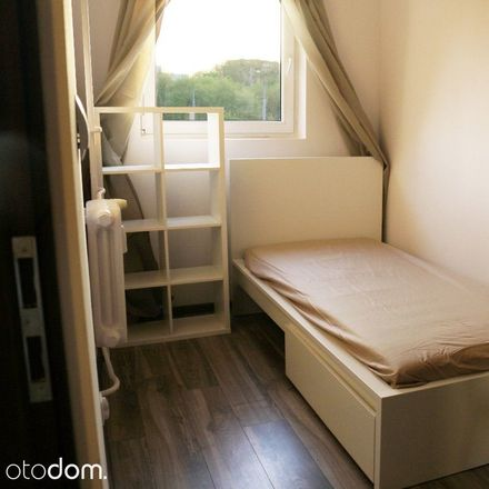 Rent this 3 bed room on Aleja Jana Pawła II 43A in 01-001 Warsaw, Poland
