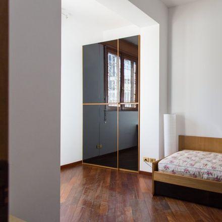 Rent this 5 bed room on Scuola Primaria Carlo Poerio in Via Salvatore Pianell, 40