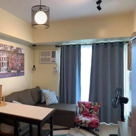 Rent this 1 bed condo on Stella in Quezon City, 1100