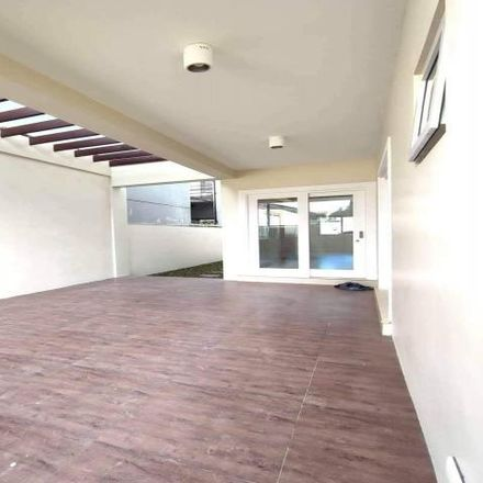 Rent this 6 bed house on BF Homes Tennis Court in Pretty Road, Las Piñas
