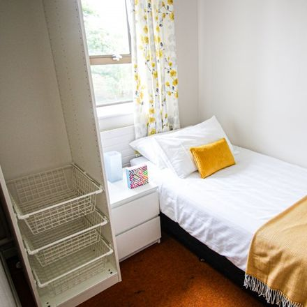 Rent this 1 bed room on Ratoath Road in Cabra West, Dublin