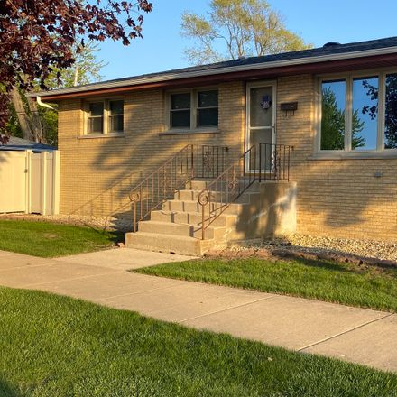 Rent this 3 bed house on 7801 Leamington Avenue in Burbank, IL 60459