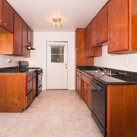 Rent this 0 bed apartment on Burbank Boulevard in Los Angeles, CA 91401