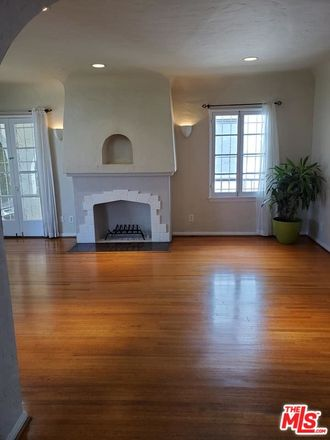 Rent this 3 bed apartment on W 4th St in Los Angeles, CA
