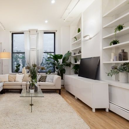 Rent this 3 bed loft on 111 Hudson Street in New York, NY 10013