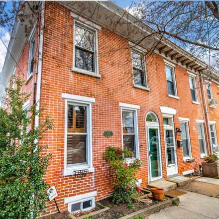 Rent this 3 bed townhouse on 1927 Shallcross Avenue in Wilmington, DE 19806