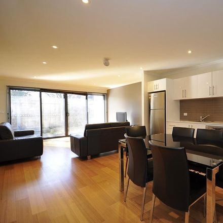 Rent this 2 bed townhouse on 4/4 Bryan Street