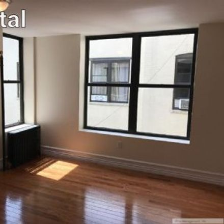 Rent this 3 bed apartment on 3905 Broadway in New York, NY 10032