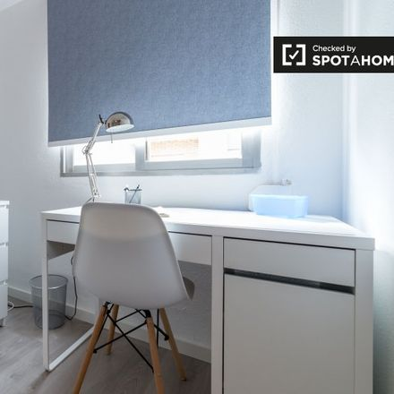 Rent this 4 bed apartment on Carrer de Manuela Estellés in 46000 Valencia, Spain
