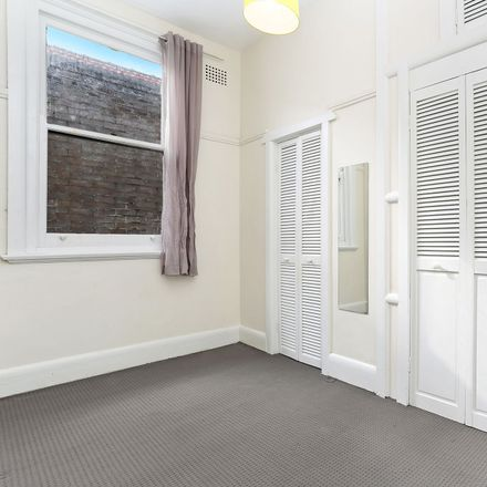Rent this 1 bed apartment on 4/34 Kings Cross Road