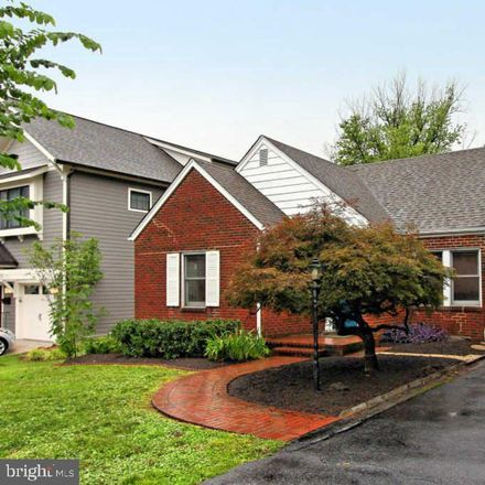 Rent this 4 bed house on 125 West Greenway Boulevard in Falls Church, VA 22046