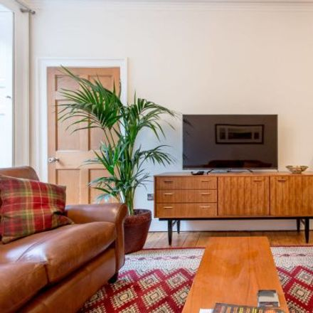 Rent this 3 bed apartment on 4B London Road in City of Edinburgh, EH7 5JH