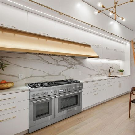 Rent this 2 bed apartment on 3426 22nd Street in San Francisco, CA 94110