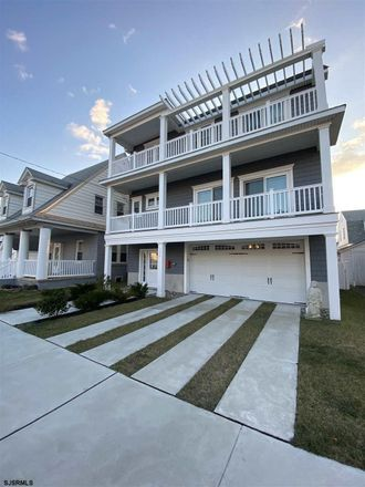 Rent this 4 bed house on 106 North Newport Avenue in Ventnor City, NJ 08406