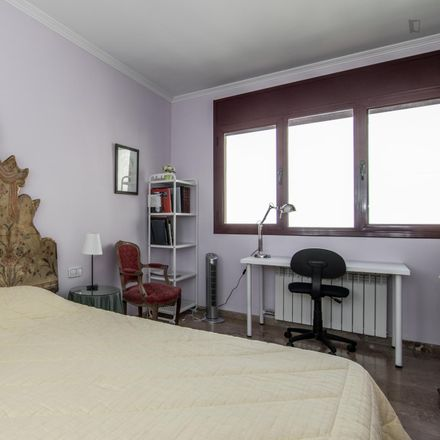 Rent this 5 bed room on Carrer de l'Asunción in 08195 Sant Cugat del Vallès, Spain
