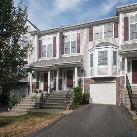 Rent this 2 bed condo on 1204 Pinnacle Way in Danbury, CT 06811