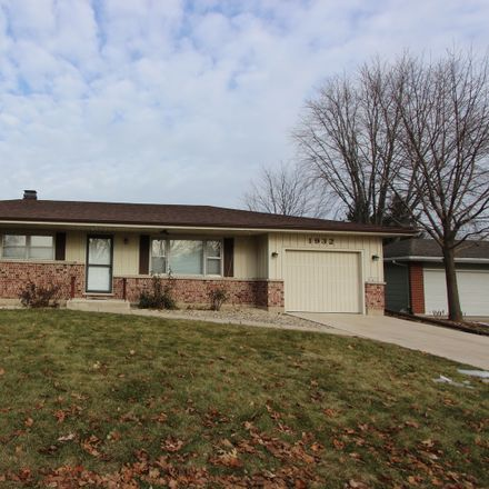 Rent this 3 bed house on 1932 Lin Lor Lane in Elgin, IL 60123