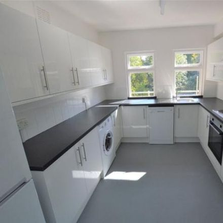 Rent this 3 bed apartment on Virgo Fidelis Convent Senior School in 147 Hill, London SE19 1RS