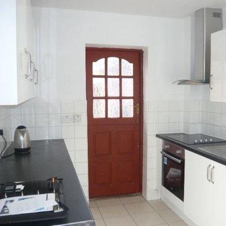 Rent this 3 bed house on Sidewalk in London TW14 8ES, United Kingdom