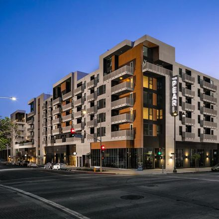 Rent this 2 bed condo on S Hobart Blvd in Los Angeles, CA