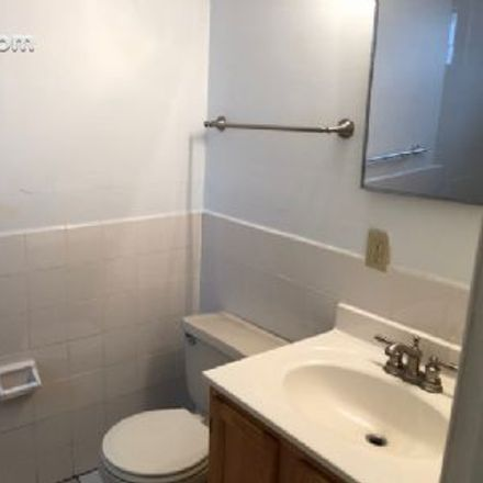 Rent this 1 bed apartment on Home Ties Child Care Center in 405 Myrtle Avenue, Iowa City