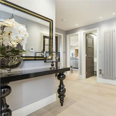 Rent this 3 bed house on Lyndhurst Road in London NW3 5NL, United Kingdom