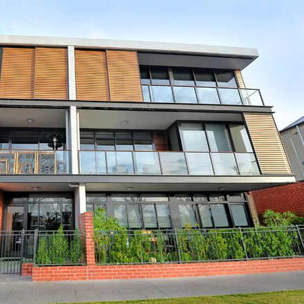 Rent this 1 bed apartment on 01A/18-22 Wendouree Parade