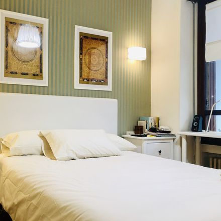 Rent this 5 bed room on Heros Kalea