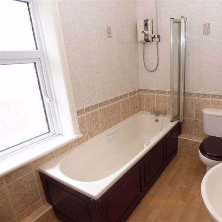 Rent this 3 bed house on Kenilworth Road in North Tyneside NE25 8BB, United Kingdom