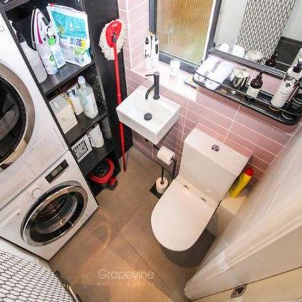 Rent this 2 bed house on Waltham Road in Twyford RG10 9EB, United Kingdom
