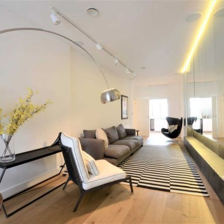 Rent this 3 bed apartment on Thai Square in Warwick House Street, London