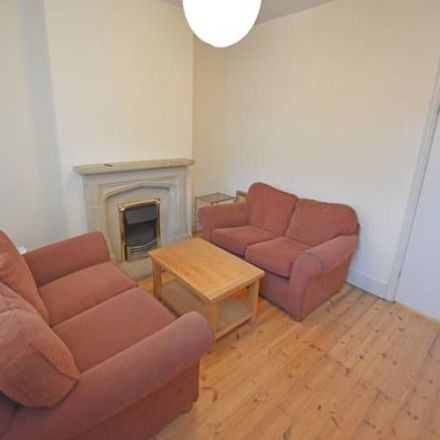 Rent this 2 bed house on Edale Rise Primary & Nursery School in Edale Road, Nottingham NG2 4HT