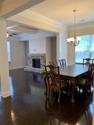 Rent this 3 bed townhouse on Smyrna