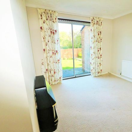 Rent this 3 bed house on 2 Royale Walk in Dunstable LU6 3SR, United Kingdom