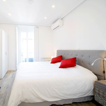 Rent this 0 bed room on Hostal Oriente in Calle Arenal, 23