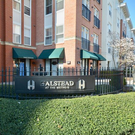 Rent this 1 bed apartment on Halstead at the Metro II in 2665 Prosperity Avenue, Merrifield