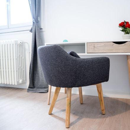 Rent this 3 bed room on Rue Edouard Vaillant in 42100 Saint-Étienne, France