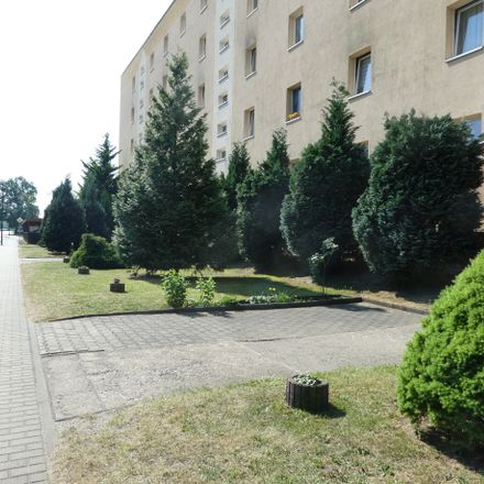 Rent this 4 bed apartment on Friedrich-Engels-Straße 37 in 02991 Lauta, Germany