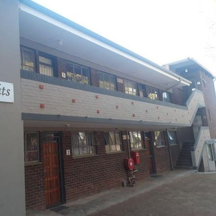 Rent this 3 bed apartment on Knights Avenue in Windsor West, Johannesburg