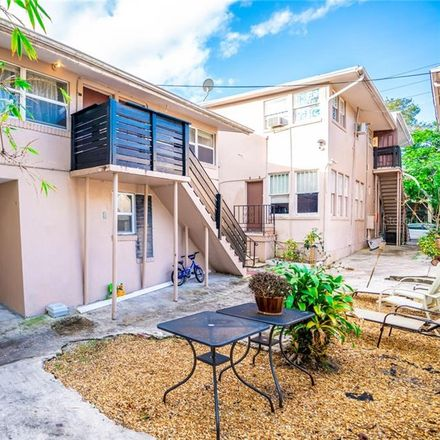 Rent this 1 bed apartment on 539 2nd Street North in Saint Petersburg, FL 33701