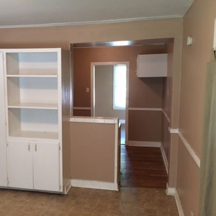 Rent this 3 bed house on Buchanan Ave in Memphis, TN