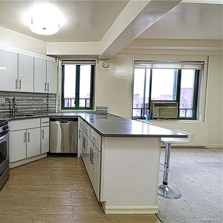 Rent this 2 bed condo on 2220 East Tremont Avenue in New York, NY 10462
