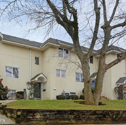 Rent this 3 bed townhouse on Mara Vista in 130 Bodman Place, Red Bank