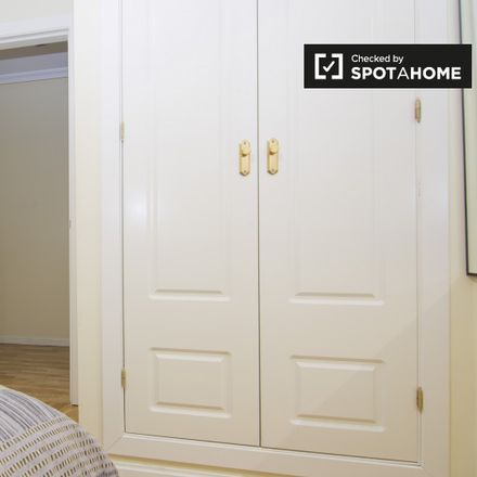 Rent this 3 bed apartment on Plaza de la Beata María Ana de Jesús in 28001 Madrid, Spain
