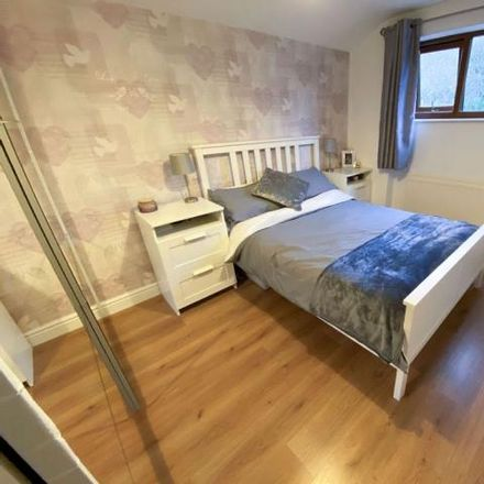Rent this 3 bed house on Southview Ridge in Dudley DY5 2BJ, United Kingdom