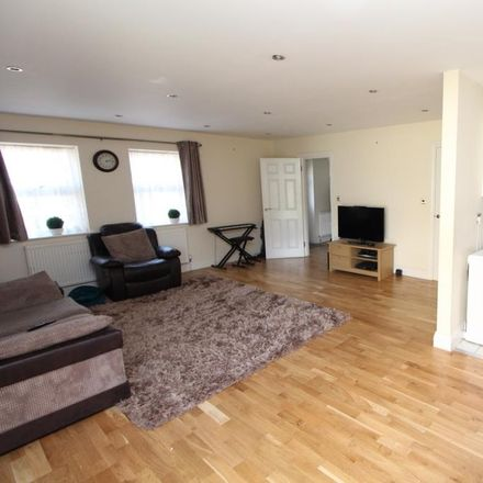 Rent this 4 bed house on Pickford Road in London DA7 4AG, United Kingdom