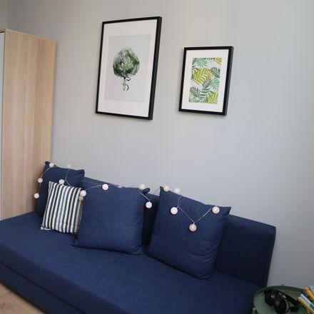 Rent this 8 bed room on Zwierzyniecka 1 in 00-719 Warszawa, Polska
