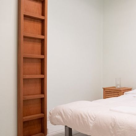 Rent this 2 bed room on Medaglie d'Oro/Svetonio in Viale delle Medaglie d'Oro, 00136 Rome RM
