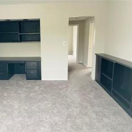 Rent this 2 bed condo on Farnsleigh in Van Aken Boulevard, Shaker Heights