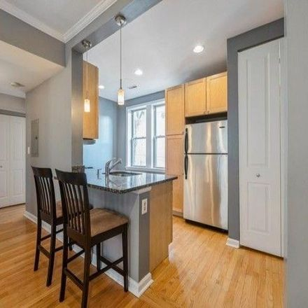 Rent this 1 bed condo on 1733 West Balmoral Avenue in Chicago, IL 60640